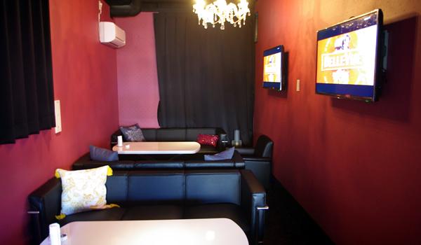 カフェ&バーBellbeの個室